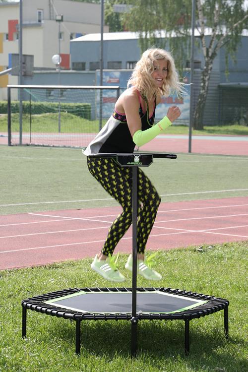 Jumping - cvičení na trampolíně