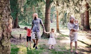 Adriana Kráľová s rodinou