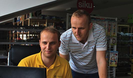 ako vytvoriť konkurencieschopný e-shop, tipy od bratov Bugeľovcov z originalnehracky.sk