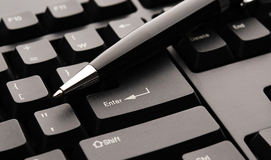 Proces uzatvárania zmlúv prostredníctvom internetu